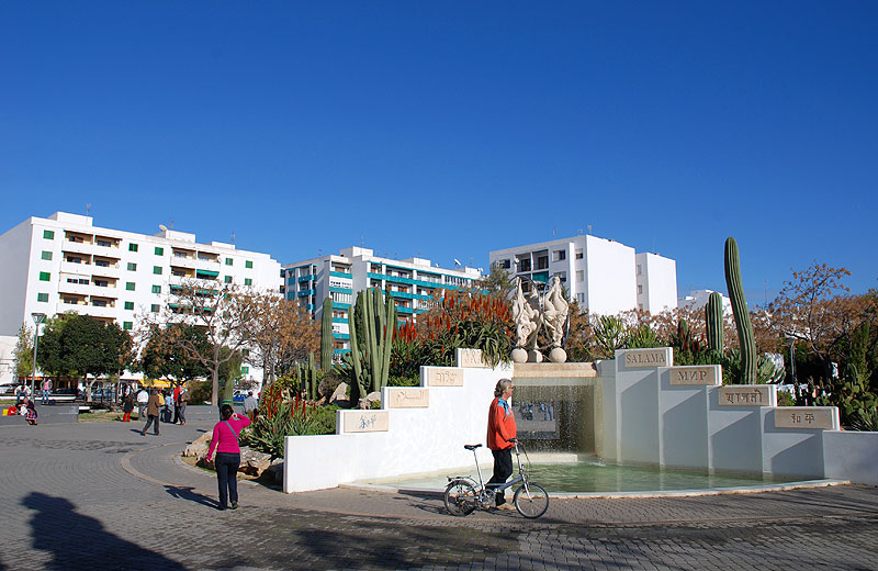 Calles principales de la capital ibiza 5 sentidos for Oficina zona azul ibiza