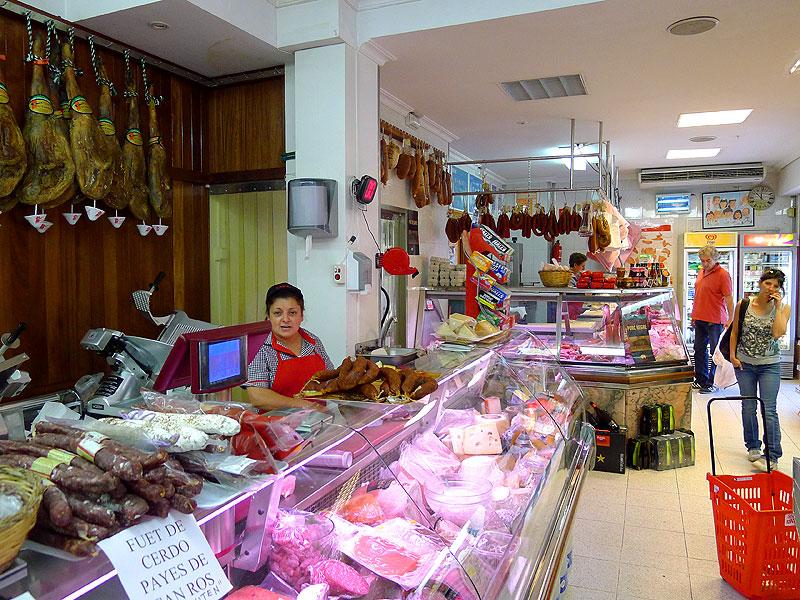 Carnicer a can ros ibiza 5 sentidos - Decoracion carnicerias ...