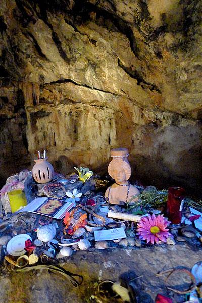 cueva cova des culleram ibiza eivissa sant vicent sant vicente santuario punico tanit