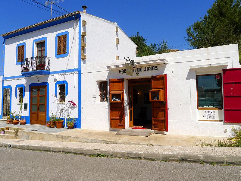 4ab844de8ebe La Fábrica de Joyas está en la calle de subida a la iglesia de Sant Miquel  (Ibiza)