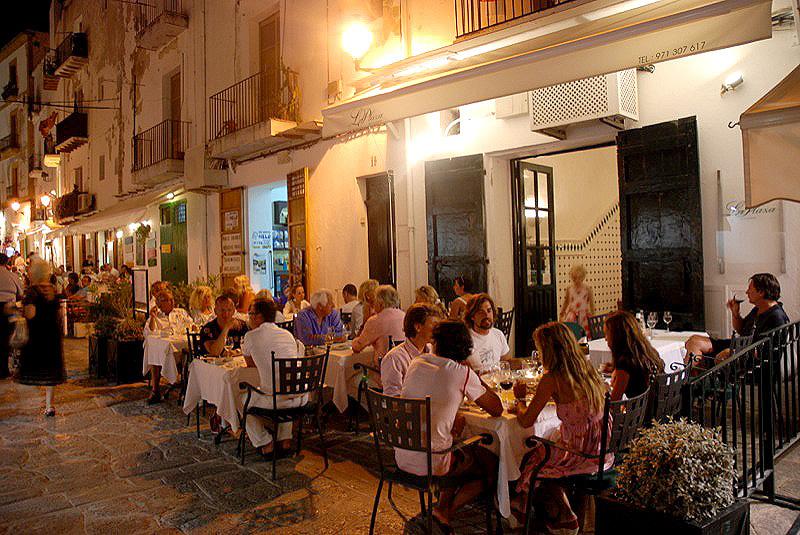 La Plaza  Ibiza 5 Sentidos