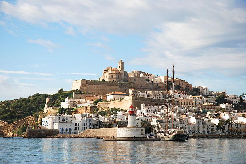 paseo maritimo ibiza eivissa dalt vila murallas puerto