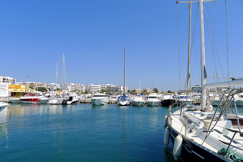 puerto deportivo santa eularia eulalia ibiza eivissa