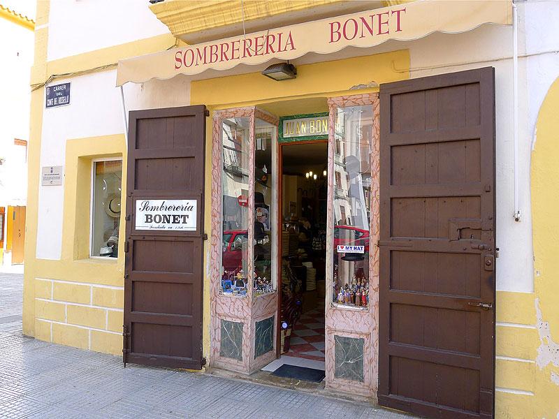 Histórica tienda de sombreros del centro de la ciudad ab527c39506